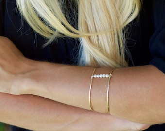 Gold Pearl Bracelet, Pearl Bangle, Gold Bangle Bracelet, Pearl Jewelry, Bridesmaids Gifts