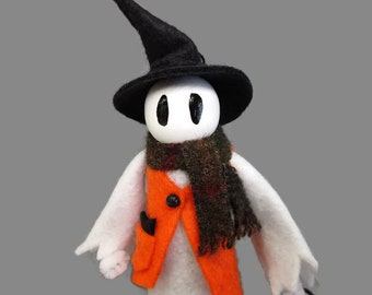 Ghost Ornament - Trick or Treat Ghost, Dressed Ghost, Clothespin Ornament, Wool Felt, Halloween Ornament, Party Favor, Halloween Decor