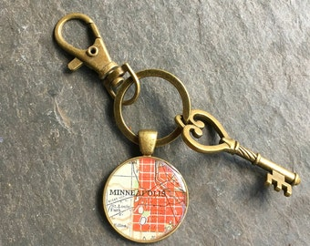 Minneapolis Keychain Bronze with Ring Swivel Clasp and Key Vintage  Map