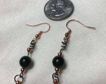 Z0003 Black Glass Bead Pierced Earrings with Copper Accents