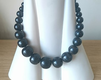 Vintage Lucite Beaded Necklace Black Round Graduated  Beads Simple Costume Jewellery Jewelry 1940's.