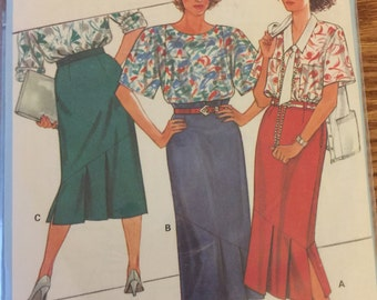 VTG 6238 Burda (1980's). Skirt.  Size 8-10-12-14-16-18-20-40.  Complete, unused, factory folded.  Excellent condition.