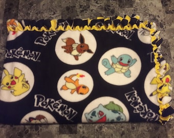 Pokemon Pikachu Charmander Squirtle Bulbasaur Eevee Meowth No-Sew Fleece Throw Blanket