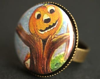 Scarecrow Pumpkin Ring. Halloween Ring. Vintage Postcard Button Ring. Adjustable Ring. Bronze Ring. Halloween Jewelry. Scarcrow Ring.