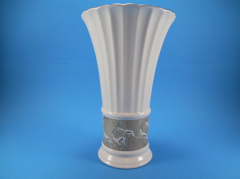 Vintage lenox vase cream white fine china ribbed pattern with zoom floridaeventfo Choice Image