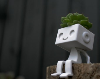 3dprinted Cute Robot Succulent Planter -Sitting