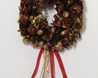 "Dollhouse Miniature 1"" Scale Gold & Maroone Wreath (ME)"