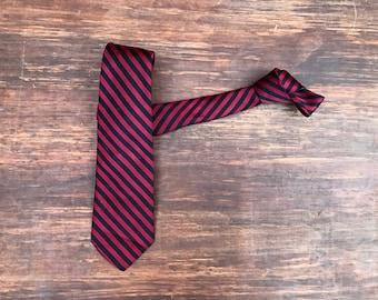 Vintage 1950s 1960s Skinny Neck Tie - Black Red Diagonal Stripes. Striped Tie Mid century modern necktie Mid century menswear