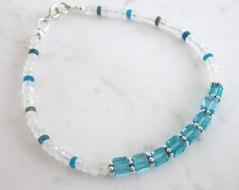 Moonstone & apatite bracelet, neon apatite gemstone bracelet, rainbow moonstone bracelet, dainty stone bracelet, chic stacking bracelet