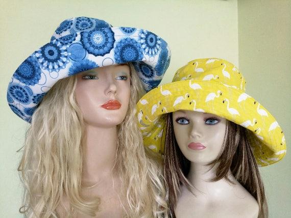 Gelbe Baumwolle Hut, Sonnenhut mit Ozean Reise Hut, breiter Krempe Sommerhut, Sommerhut aus Baumwolle, Beachwear, Flamingo, Perlen Brosche flamingo