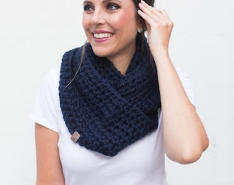BEST SELLER Crochet Infinity Scarf Chunky Knit Circle Scarf Loop Scarf Chunky Scarf Winter Scarf Gift for Her Mothers Day Bridesmaid Gift