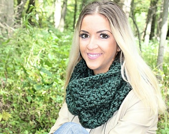 Green Infinity Scarf, Dark Green Scarf, Green Loop Scarf, Green Crochet Scarf, Green Chunky Scarf, Green Winter Scarf, THE ALBANY