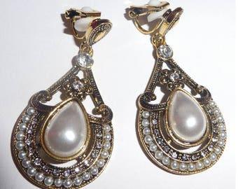 Earrings Clip On. Teardrop faux pearl rhinestones