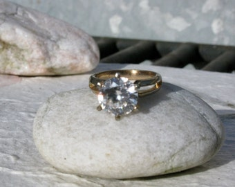 Vintage Cubic Zirconia Brilliant Round Rhinestone Cocktail Ring Size 6