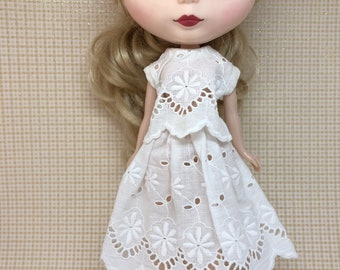 Blythe eyelet outfif off white short sleeves