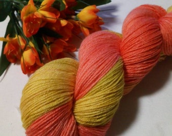 100g hand dyed wool made of merino wool with bamboo color 104