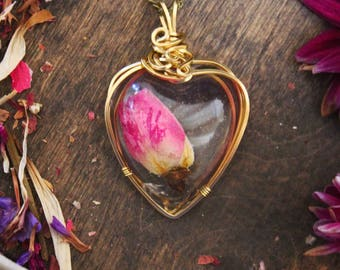 Rosebud Heart Shaped Resin Gold Filled Wire Pendant