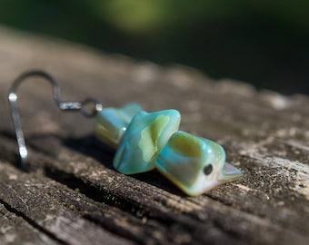 Green Mother of Pearl Jagged Triplet Earrings