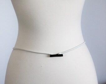 Vintage 1970s Belt / Metal Elastic Skinny Belt White With Black Buckle / Stretchy Snake Belt / Disco Era