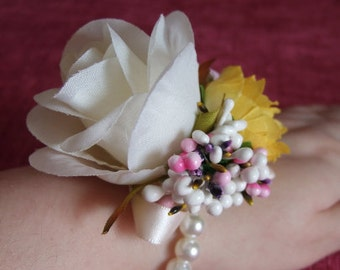 Pearl bead stretch wrist corsage with large Cream rose, Wrist Corsage, Silk Flower Corsage (Cream), Cream Bridal Corsage, Pearl Corsage