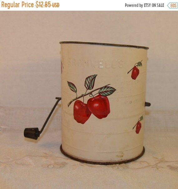 Sale Clearance Bromwells Sifter Red Apples Vintage Cream Colored 3 cup Flour Sifter Black Turn Handle Farmhouse Rustic Kitchen Country Kitch