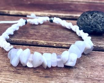 Chip Gemstones bracelet, Blue lace agate Nuggets bracelet, Thin macrame bracelet, Summer bracelet, Dainty Hemp bracelet, Healing bracelet