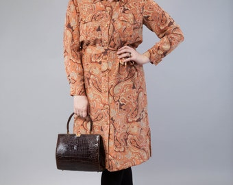 Silky dreams - vintage dress with All-Over Paisley pattern