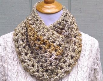 Green gold crochet cowl - Infinity scarf - Crochet circle scarf - Teens chunky neck warmer