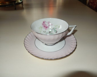 KONIGL PR TETTAS Teacup and Saucer