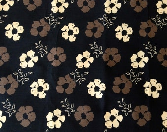 Subdued 60s Flower Power Daisies// Mid Century Floral Fabric// Boho Chic// Cotton Yardage//Home Decor// New Old Stock// Almost 3 Yards