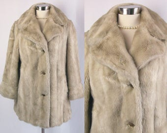 1960s Coat ~ Mincara by Russell Taylor Funky Mod Faux Fur Winter Coat ~ Cream Tan Plush ~ Pretty Flower Buttons ~ Excellent Condition ~ M/L