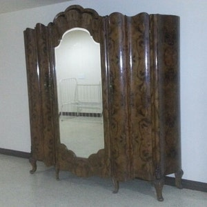 ARMOIRE French Italian Victorian Antique Burled Walnut Armoire Wardrobe 3  Doors Carved Feet Scalloped Mirror Front
