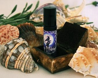 Lorelei's Treasure Perfume Oil -  Ozone, cucumber, water lily, aquatic grasses, sea kelp - artisan perfume - mermaid perfume