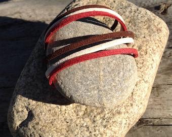 Tri-rang suede bracelet