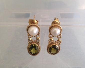 Green tourmaline and pearl gold vintage pierced earrings