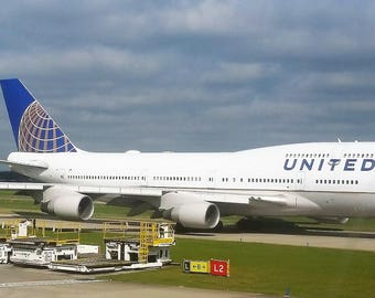 Digital Photograph of United Airlines Boeing 747