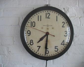 Vintage School Clock  General Electric - Hanging - Electric
