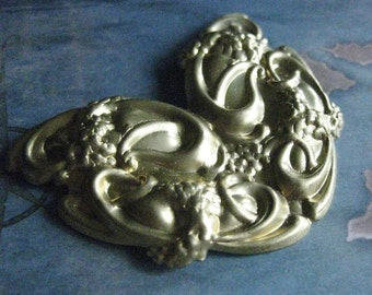 1 PC Brass Large Nouveau Floral and Scroll Flourish Plate - ZNE  0011T