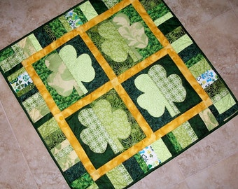 SHAMROCKS St. Patricks Day Applique Quilt Pattern from Quilts by Elena