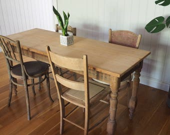 Apartment size / dining room table / Hall / Shop display