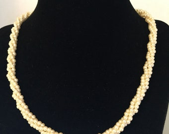 Twisted 3 strand pearl necklace