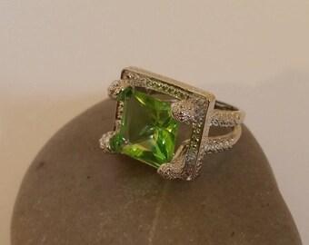 Wedding Ring Green Natural Stone Size 8