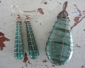 Vintage Malachite Pierced Earrings & Pendant Set Boho Style 2 Piece Set