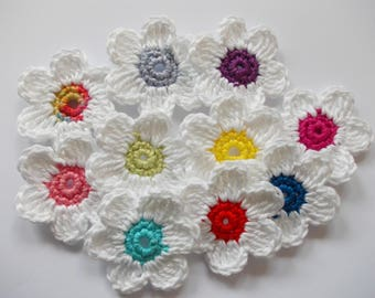 10 crochet flowers - 5 cm large - white/coloured - crochet