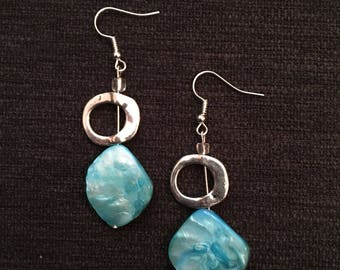 Blue shell and circle earrings