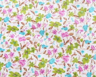 Fabric flowers spring white cotton, 50 x 45 cm