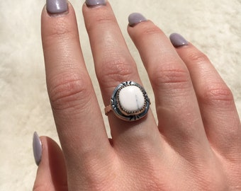 White buffalo sterling silver ring size 6 3/4