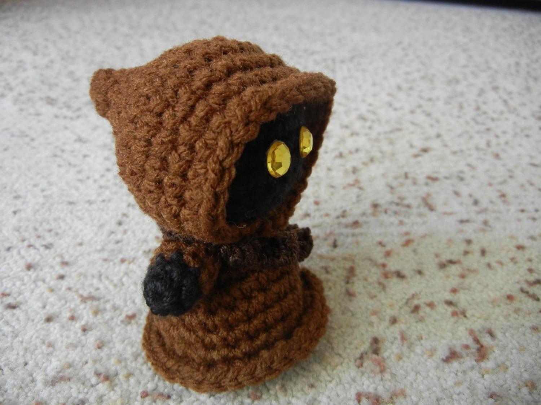 Amigurumi Star Wars : Star wars jawa amigurumi doll crochet pattern