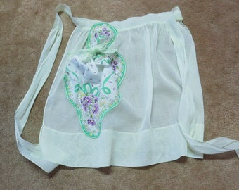 1960's Apron in Pale Green with Hanky for Pocket, Vintage