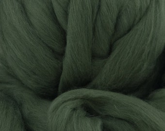 Merino Wool Top - 21.5 micron - Bottle Green - 4 ounces
